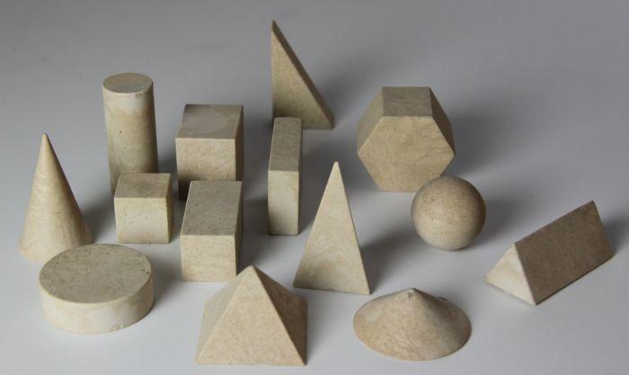 14 geometrische Körper aus RE-Wood