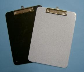 Schreibunterlage aus ABS Kunststoff,  DIN A4, mit Klemmvorrichtung