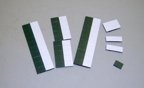 Satz Kippmagnete für Stundenplan, halb dunkelgrün/ halb weiß